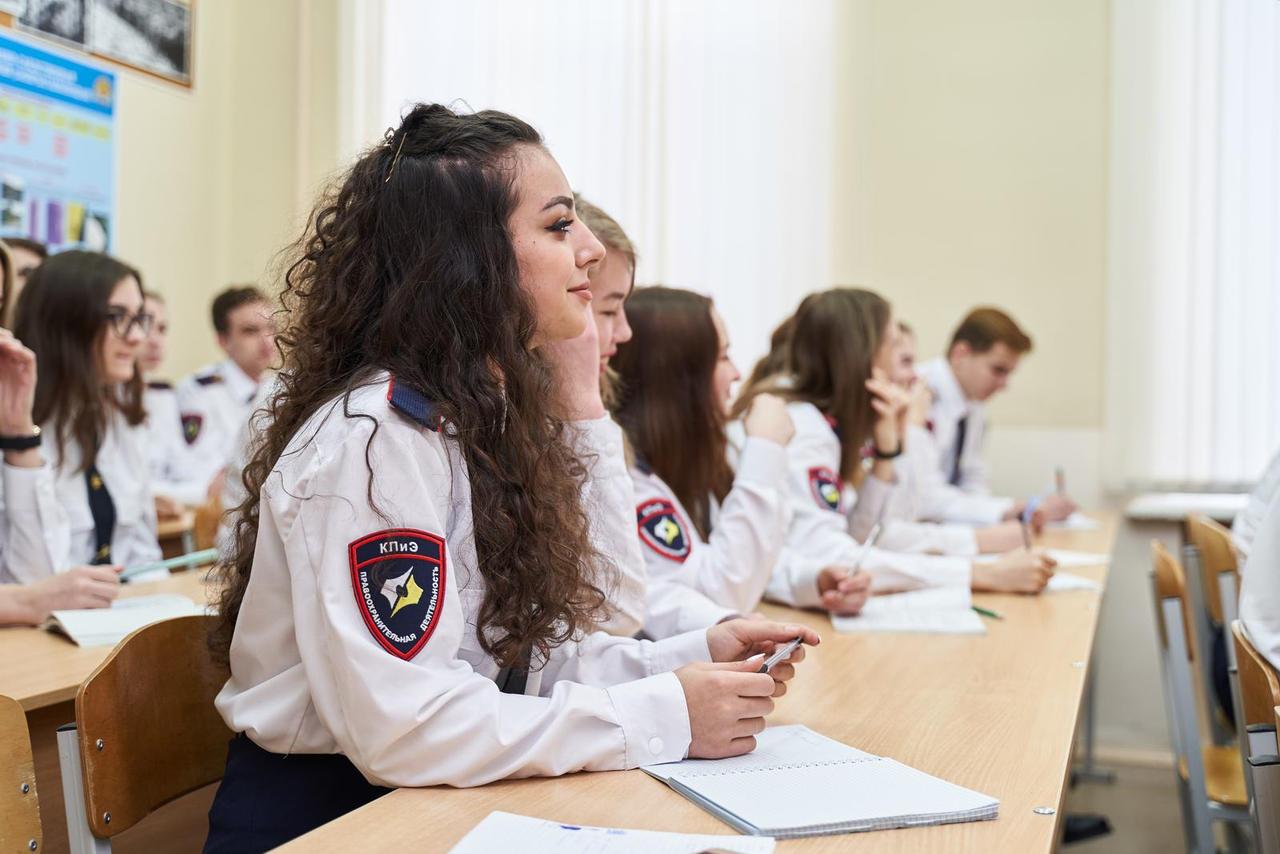Правоохранительная деятельность работа для девушки у моделей тяжелая работа